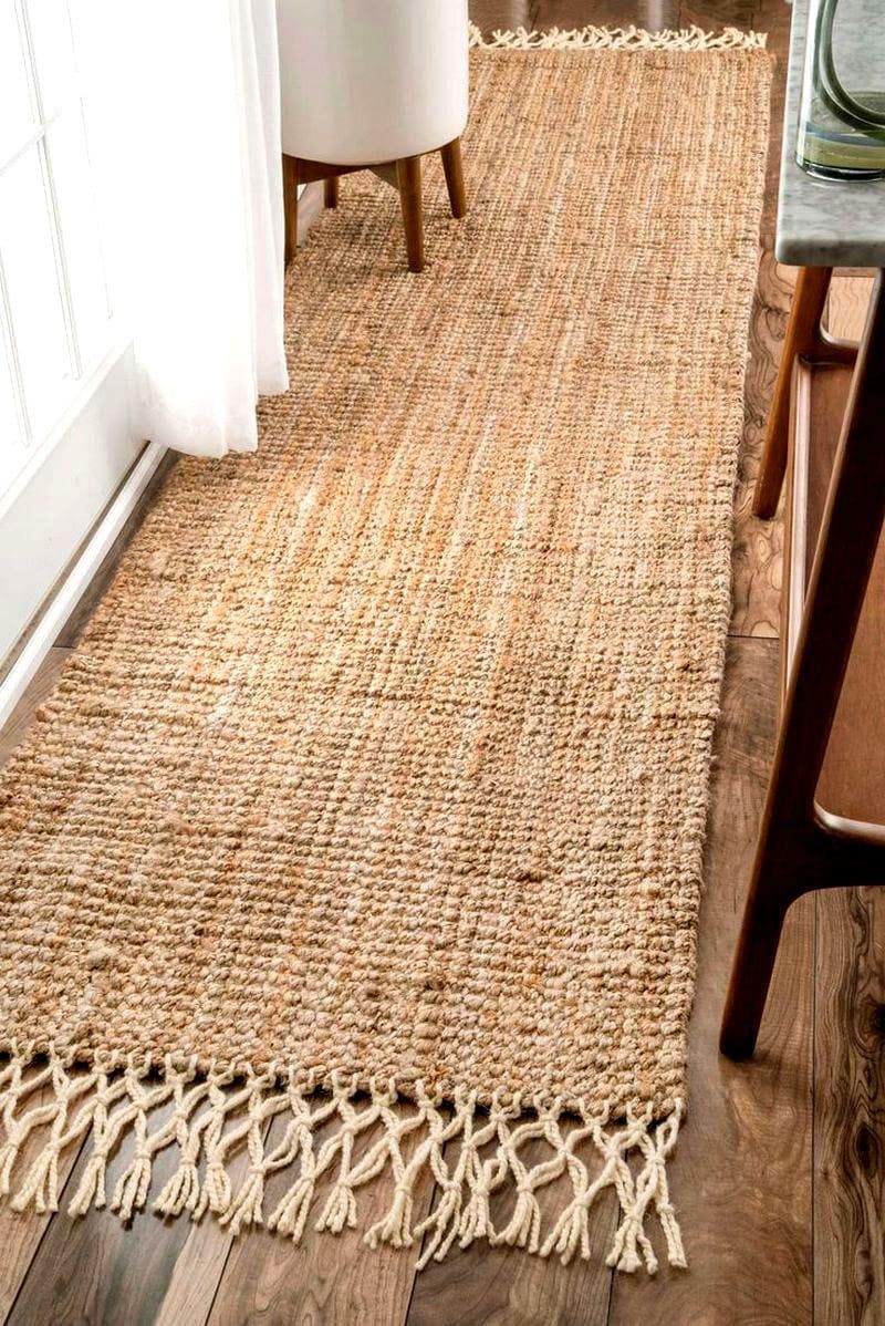 Плетёные коврики можно использовать практически в любом интерьере
