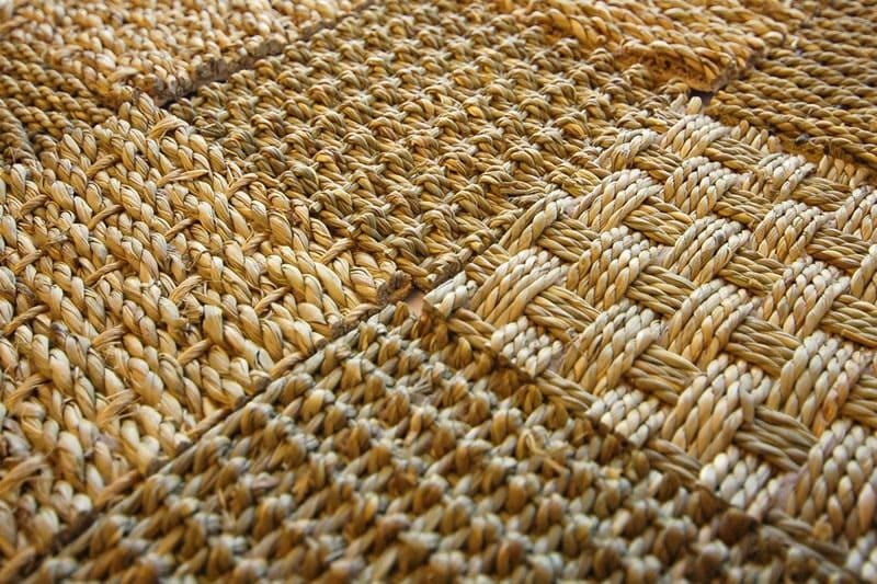 Применение комбинированных техник плетения позволяет создать необыкновенный узор