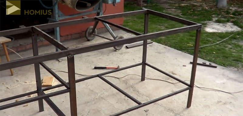 Каркас верстака собран, настала пора сборки панели для инструментов
