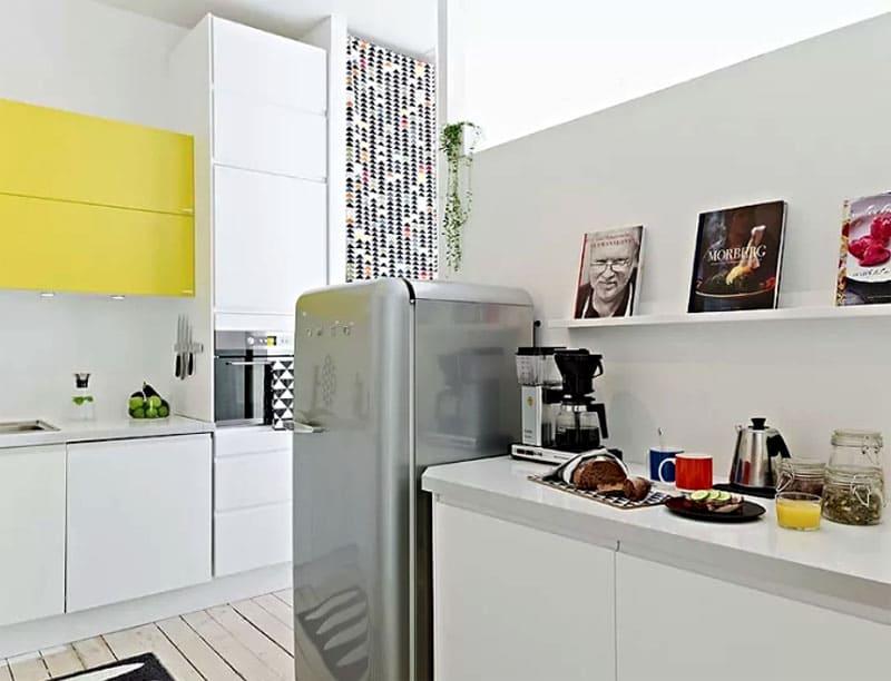 Суммарный объём холодильника следующий: для одного человека необходимо 120 л, для каждого члена семьи следует прибавить ещё по 60 л
