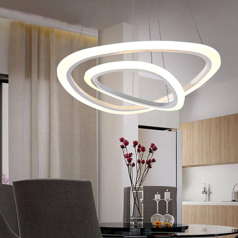 Светодиодные лампы довольно дорогие, но они быстро окупаются за счёт экономии электроэнергии