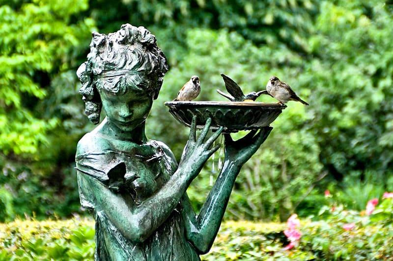 Скульптура создаст на территории не только настроение, но и общее направление: классика, авангард, история