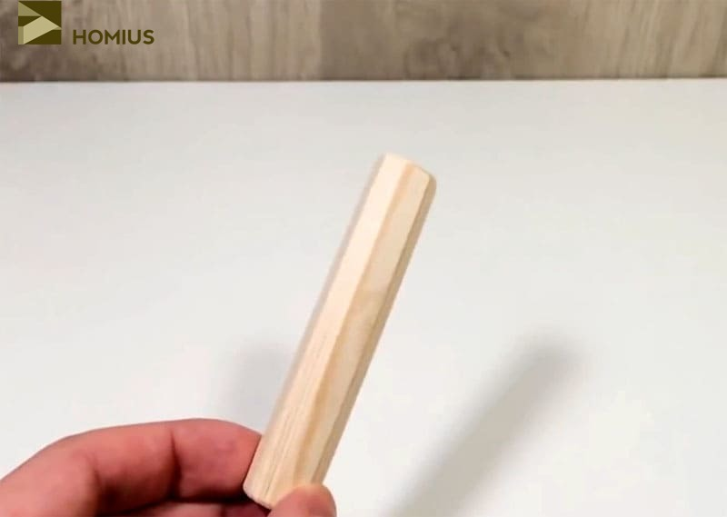 Деревянный черенок, который будет использован в качестве ручки