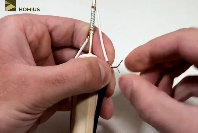Скручиваем провода максимально плотно – контакт должен быть хорошим