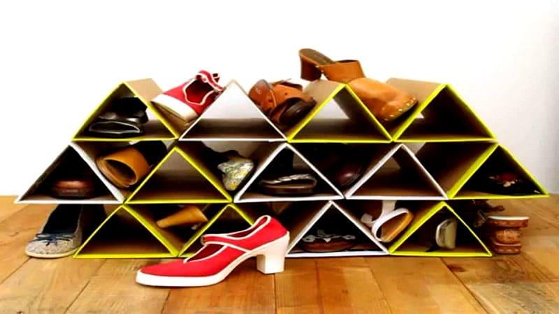 Картонные полочки пригодятся только для хранения сухой летней обуви