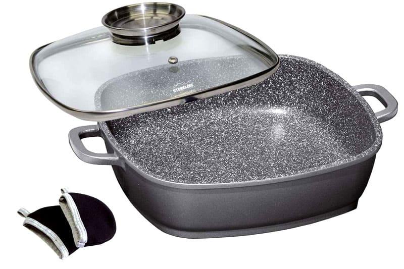 Крышка защитит от разбрызгивания масла и ускорит время готовки