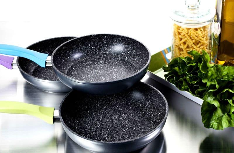 Сковородки с каменным покрытием выбирают люди, которые ведут здоровый образ жизни