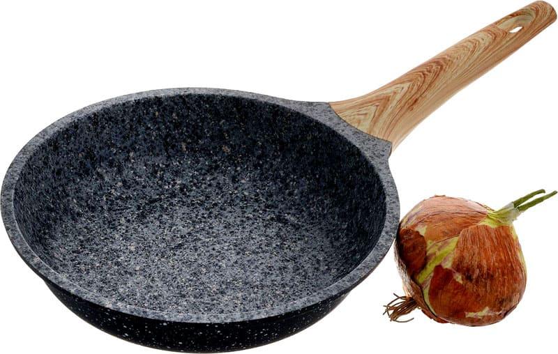 Чем толще дно и боковины, тем дольше прослужит сковорода