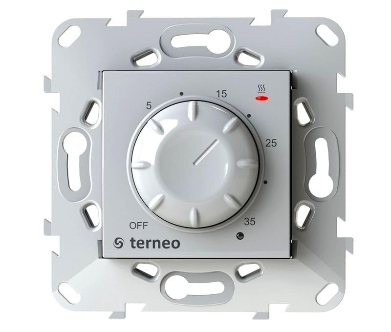 Встроенный датчик накладывает ограничения по месту установки термореле
