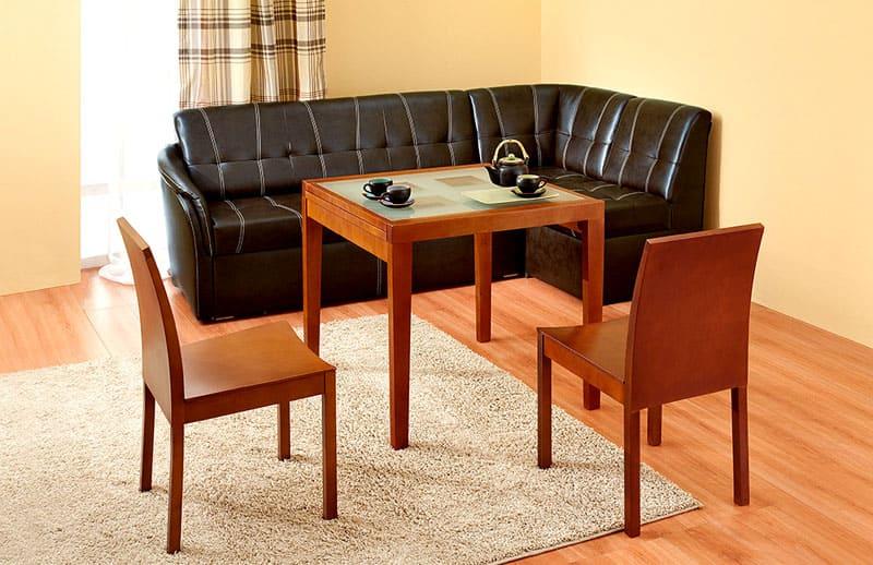 Кожаный диван для кантри