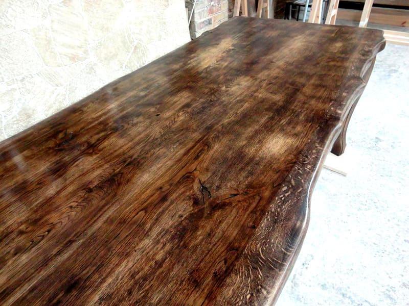 Восстанавливает первоначальный внешний вид деревянных оснований