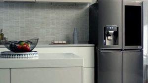 Правда, умный холодильник от LG использует Amazon Alexa и пока не понимает ни слова по-русски. Но ведь немного практики в английском вам не помешает? :)