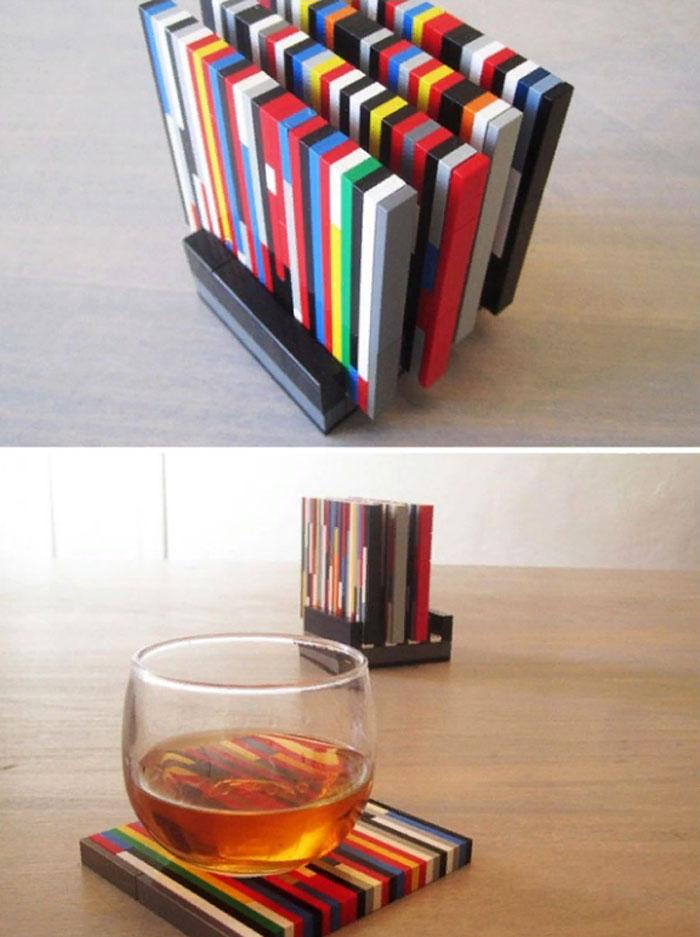ФОТО: ds03.infourok.ru Подставки под стаканы из кубиков Lego