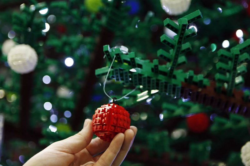 ФОТО: architectsjournal.co.uk Яркие и необычные игрушки на рождественскую ёлку