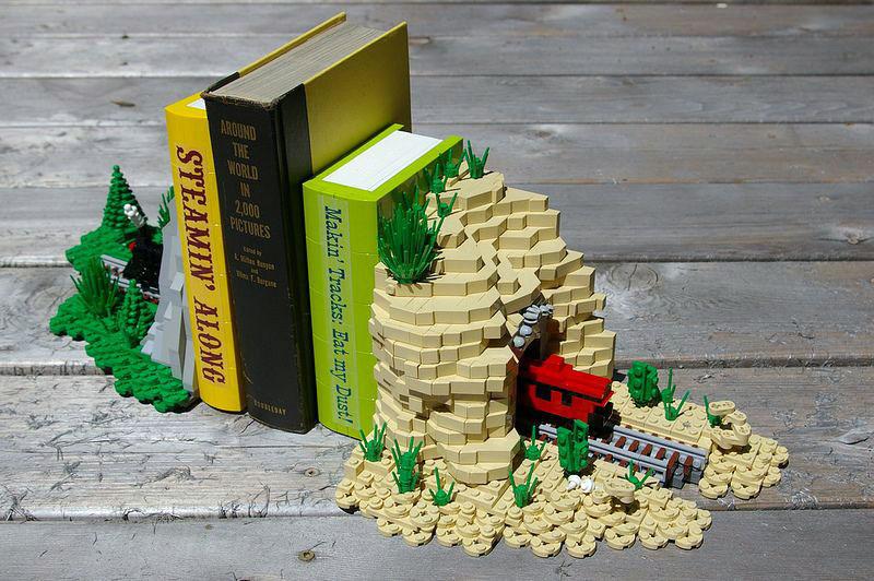 ФОТО: i.pinimg.com Ваши книги всегда зафиксированы в нужном месте