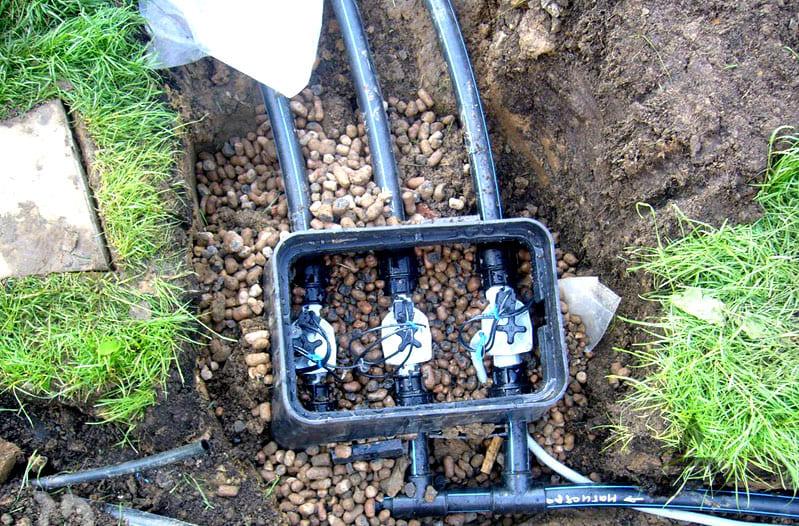 Когда все детали будут выкопаны из-под земли, их промывают, сушат и убирают на хранение, либо ставят на место