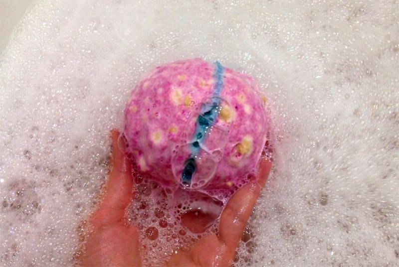 ФОТО: irecommend.reviews Использование всего нескольких шариков позволяет ощутить себя в настоящей ванне с гидромассажем