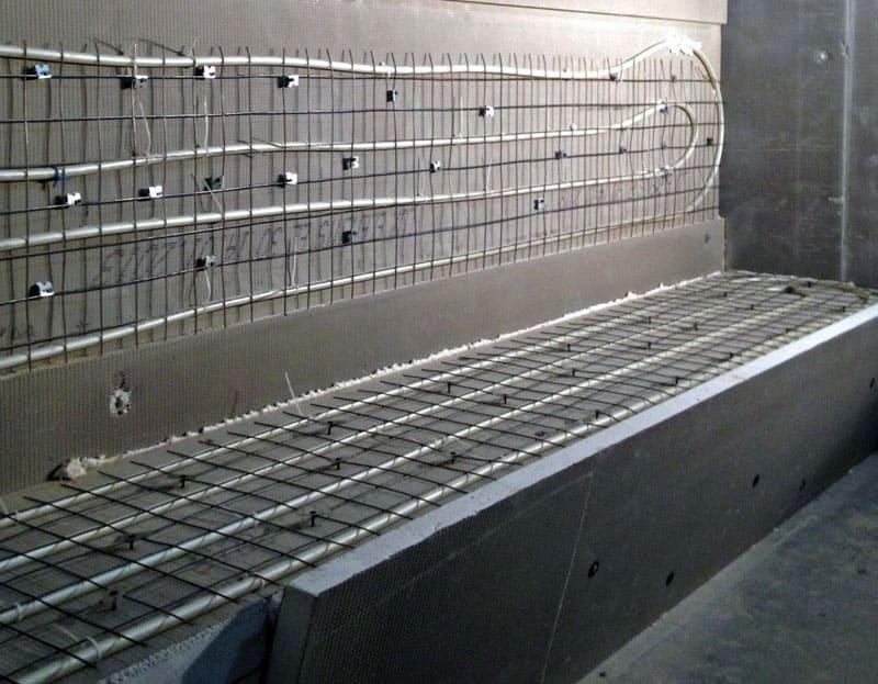 В качестве материала для труб используется не только металл, но и более практичный полипропилен либо металлопласт