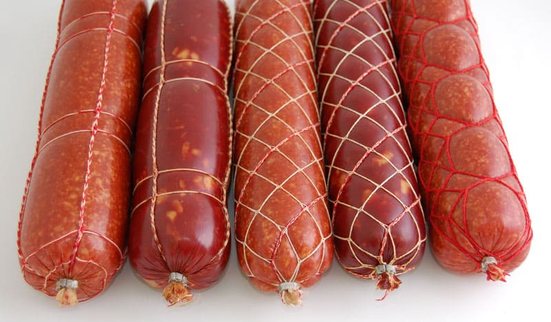 Ещё одной областью применения целлофана является изготовление оболочки для колбасных изделий