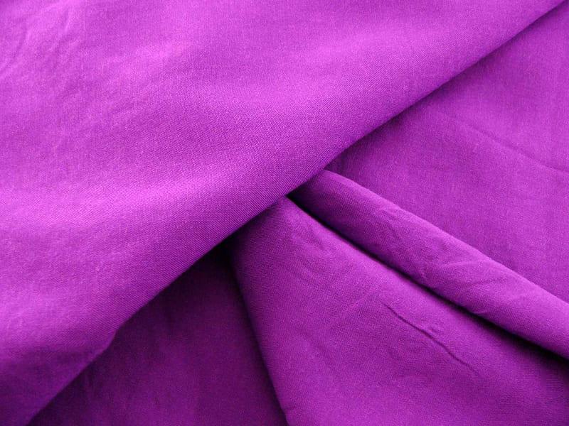 Купровая ткань применяется для изготовления дорогих и изящных предметов одежды