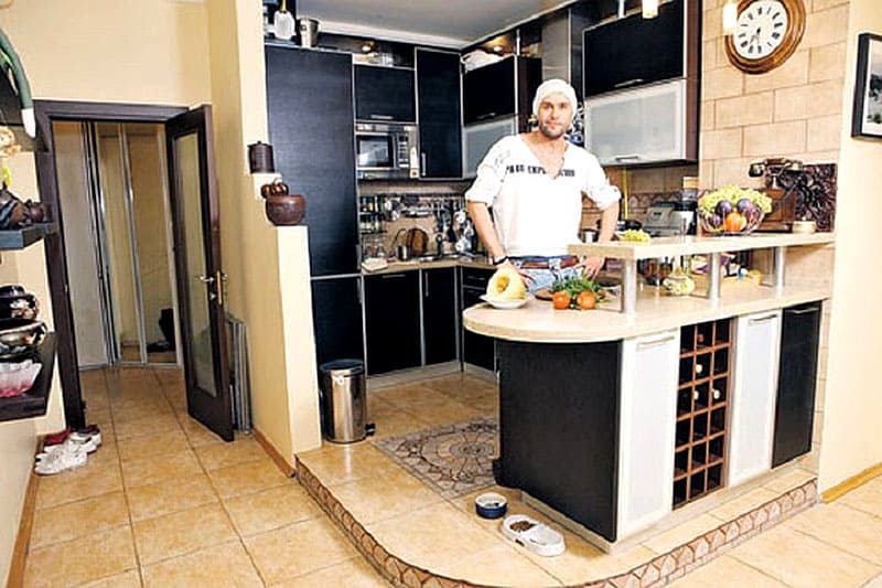 Любимое место Максима-кухня на подиуме