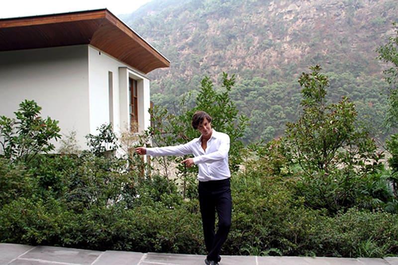 Дом окружен восхитительными горами с живописной растительностью