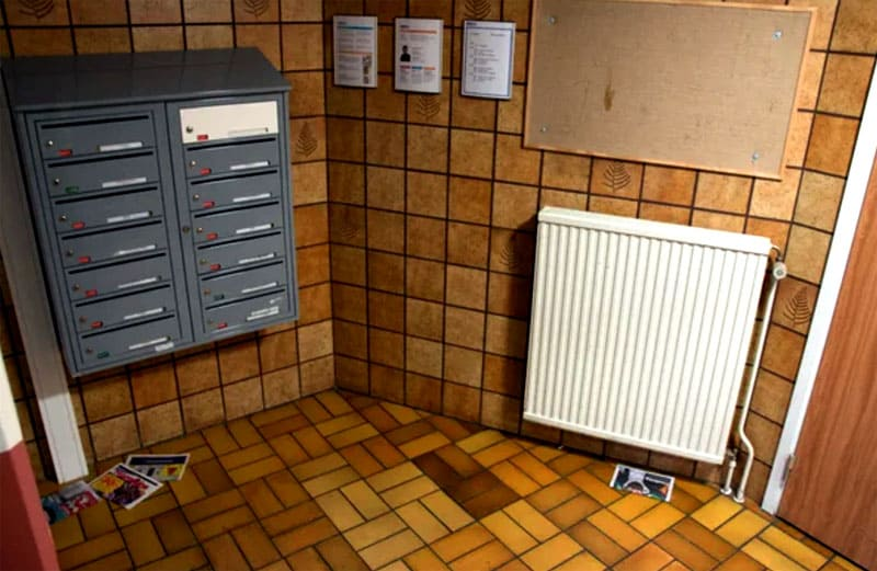 В подъездах целый кафель, качественные радиаторы, хотя иногда могут быть разбросаны рекламки
