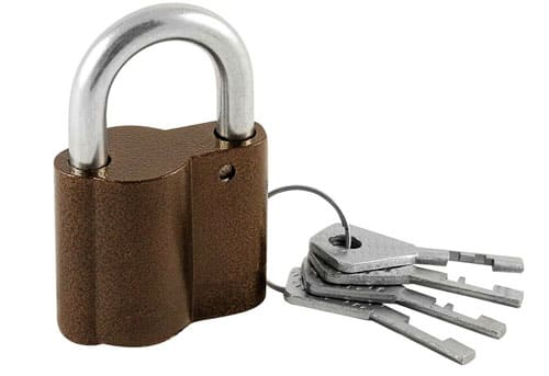 Когда дверь предательски захлопнулась: как открыть замок без ключа