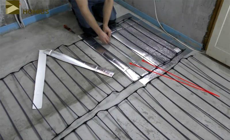 Примерно такие прорези необходимо сделать по всей площади термоизоляционной подложки