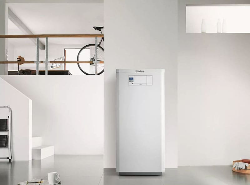 ФОТО: vladislav65.ru Если в квартире нужно провести горячую воду и одновременно отопление, установка бойлера – лучший вариант