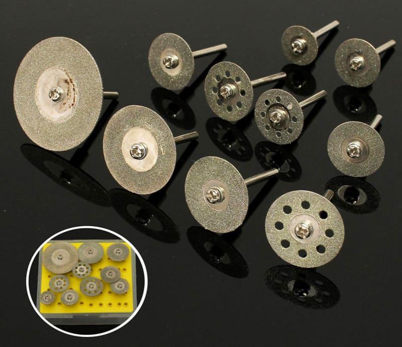 ФОТО: ae01.alicdn.com Разнообразие дисков для резки позволяет получить из дрели универсальный инструмент