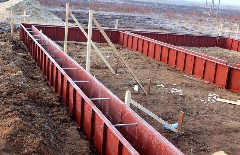 ФОТО: smkites.ru Использование железобетонной опалубки позволяет сократить количество жидкого бетона и упростить рабочий процесс