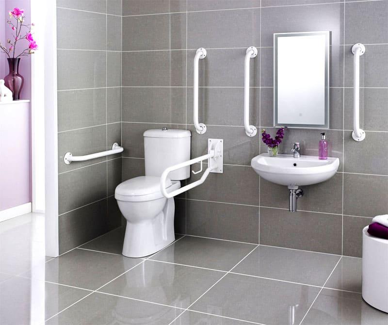 Установка специальных конструкций должна быть, в первую очередь, безопасной<br />ФОТО: dorsetplumbing.com