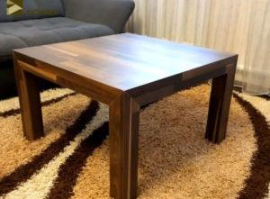 Отходы в доходы: стол из обрезков ламината, оставшихся после ремонта