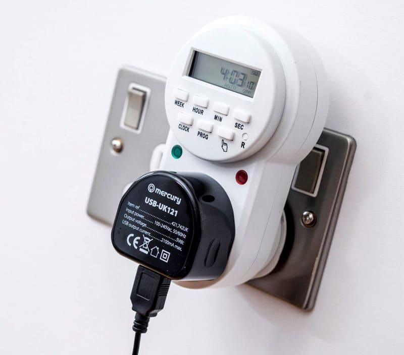 ФОТО: квант-спб.рф Электрические таймеры имеют встроенный аккумулятор для сохранения настроек