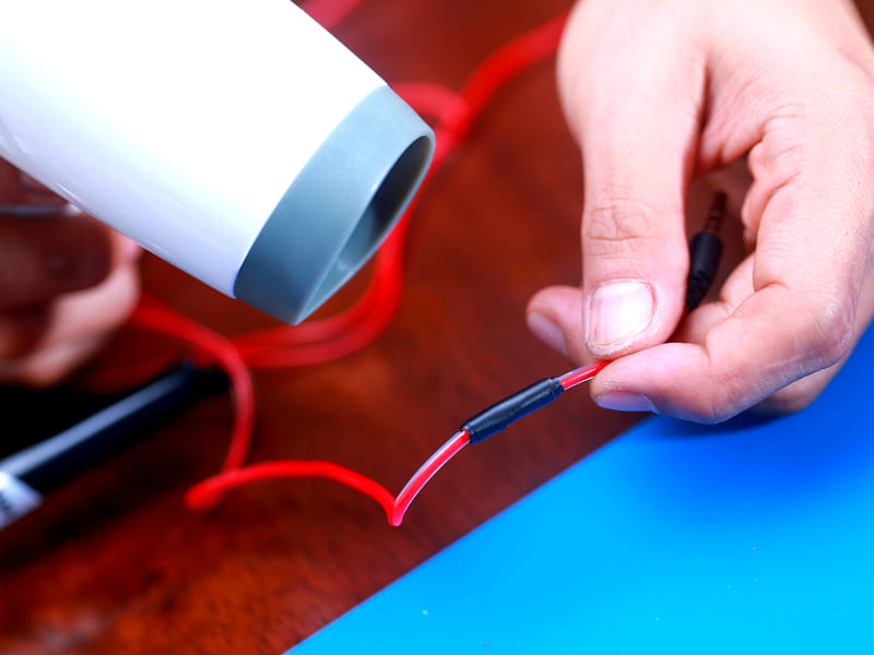 ФОТО: nexo.com.tr При незначительном диаметре для нагрева подойдёт простой фен