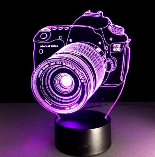 ФОТО: goo.gl/5SVHYb Объёмная пластина с подсветкой создаёт 3D-эффект