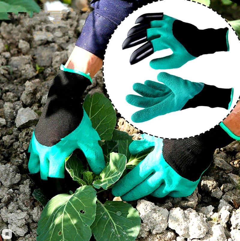 Латексные перчатки помогут не только избавиться от сорняков, но и параллельно взрыхлить почву
