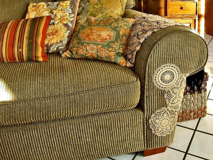С такой заплаткой ваш диван снова будет в тренде
