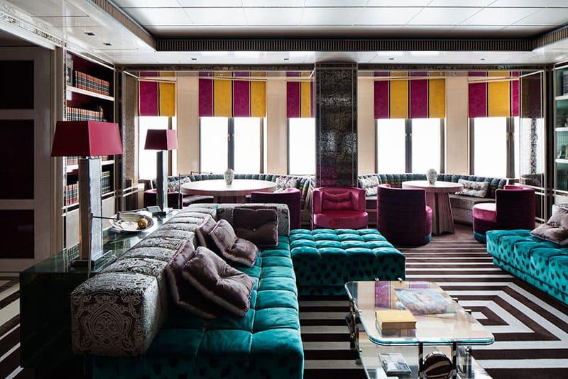 Апартаменты оформлены в стиле китч