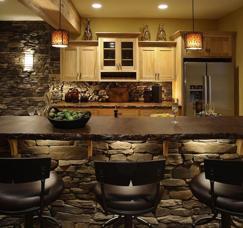Даже такая каменная кухня не потребует огромных затрат