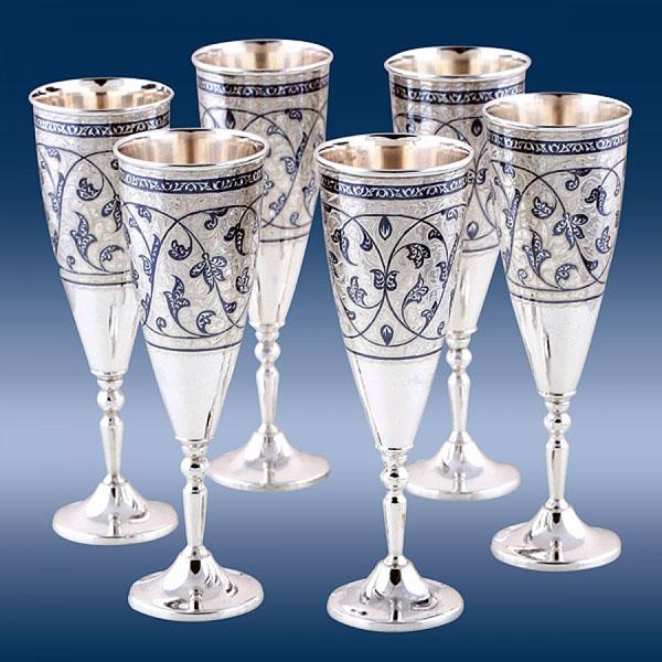 Как правильно выбрать бокалы для шампанского из всего разнообразия видов фужеров