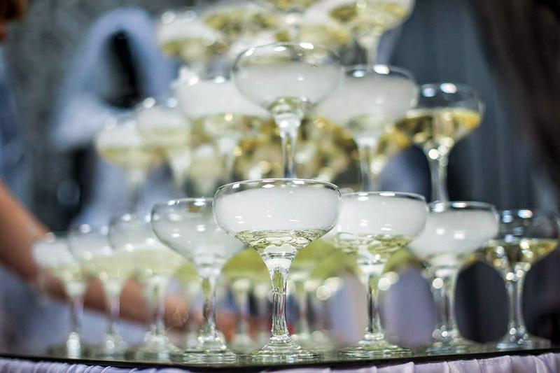 Креманки Марии-Антуанетты используют для недорогих марок шампанского, они помогают оценить сладость напитка