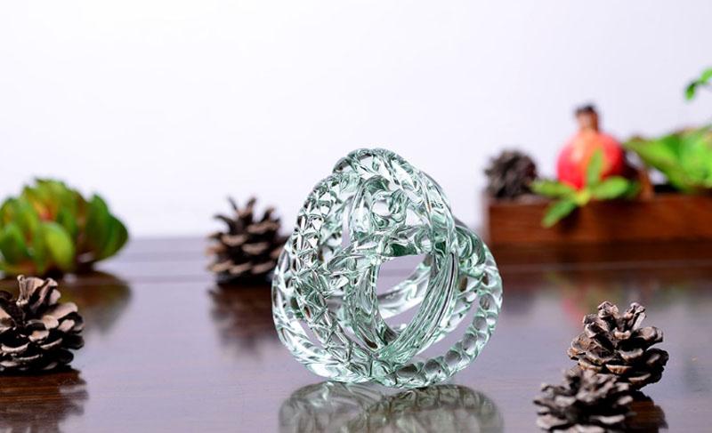 Если вы хотите испытать на себе силу кристалла, тогда приобретите такой красивый предмет в качестве украшения