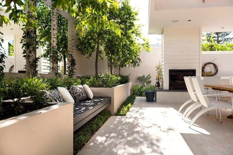 Очень часто растения используются в качестве ширмы для зонирования пространства