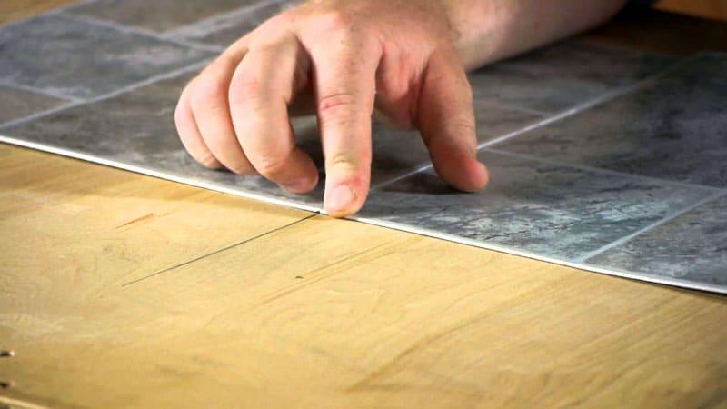 Лучшим показателем правильно подобранного клея служит ровная поверхность без изломов и деформаций