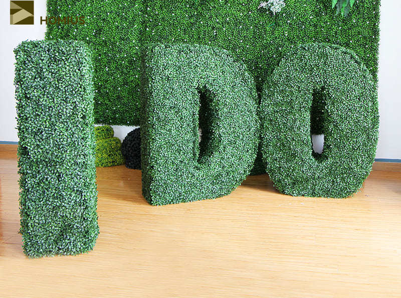 Объёмные буквы из искусственной травы