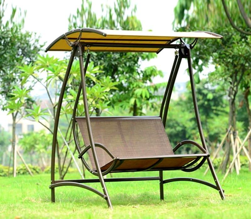 В качестве сиденья можно использовать плотную ткань, а также дерево