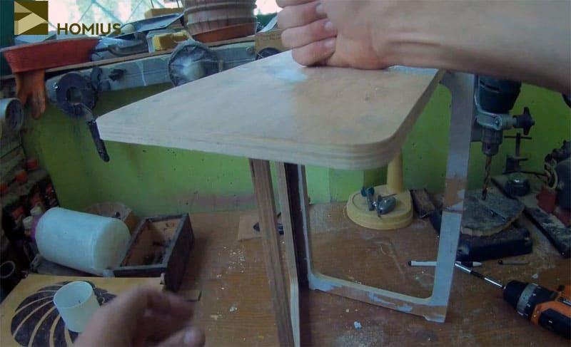 Походный складной стульчик, изготовленный своими руками, довольно устойчив