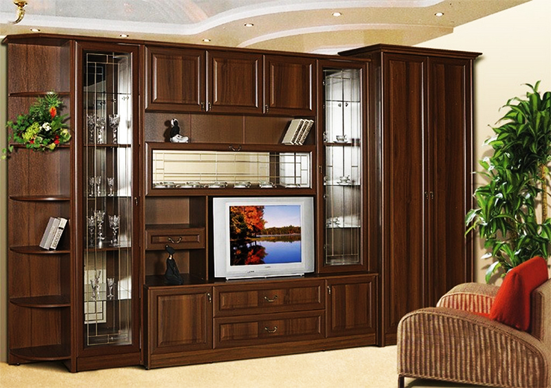 Мебельная стенка сильно утяжеляет интерьер и делает его однотипным, скучным